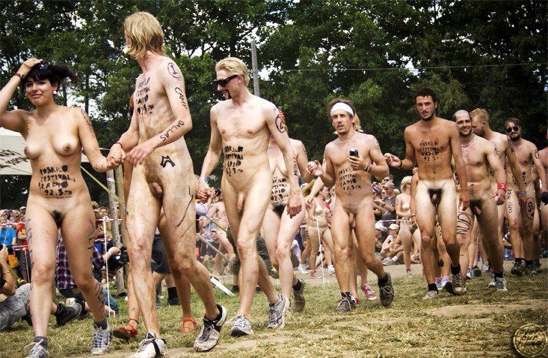 Фестиваль голых тел фото 4