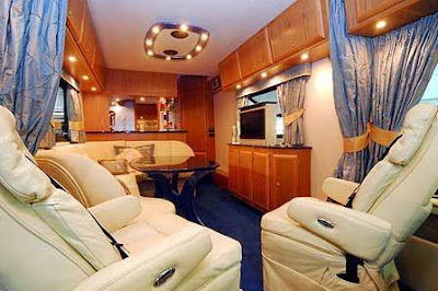 Luxury Buses: Travel In Comfort (30) 4