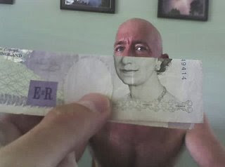 Illusion created using banknotes (11) 7