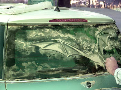 Painting on car windows using dirt (11) 8