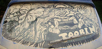 Painting on car windows using dirt (11) 3