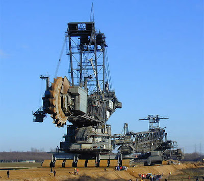 World's Largest Digging Machine (6) 4