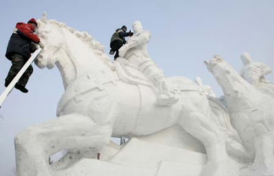 Ice+and+Snow+Sculpture+(11).jpg