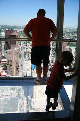 Calgary+Tower+1.jpg