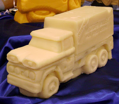 11 Creative Cheese Sculptures (11) 10
