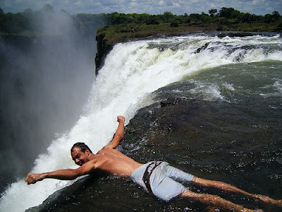 Swim On The Edge Of The Victoria Falls (11) 8