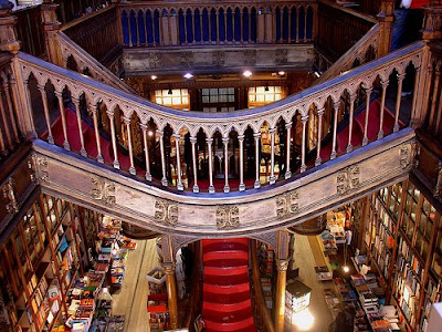 Inside view of Lello