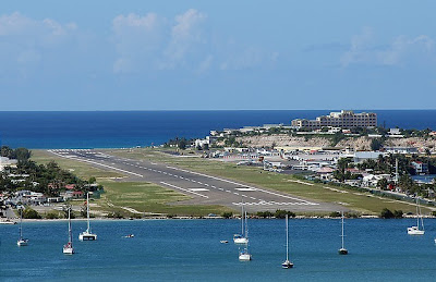 Maho Beach And Its Low Flying Planes (10) 5
