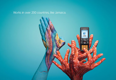 15 Creative and Cool Uses of Painted Hand In Advertisements  (15) 2