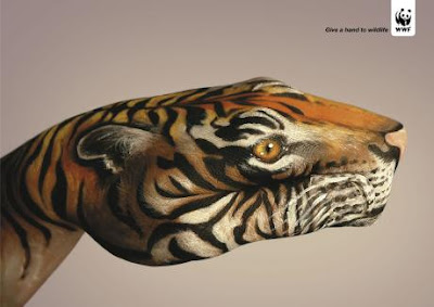 15 Creative and Cool Uses of Painted Hand In Advertisements  (15) 11