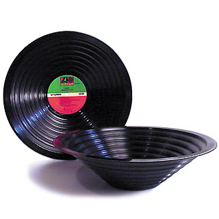 Creative and Cool Ways To Reuse Old Vinyl Records (50) 5