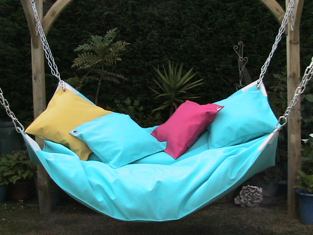 20 Cool And Modern Hammock Designs