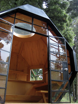 A Beautiful Compact House for your Backyard (6) 2