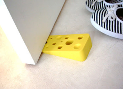 16 Creative and Cool Doorstops (16) 2