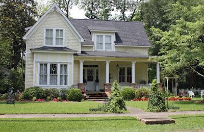 How To Figure Out A House S Exterior Color Scheme Colors Paint