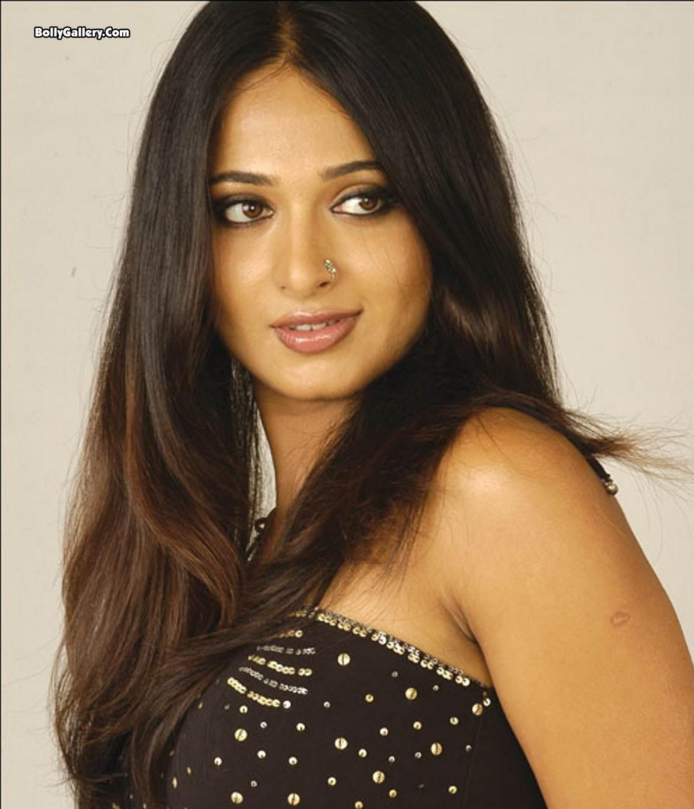 South Cine Actress: Anushka