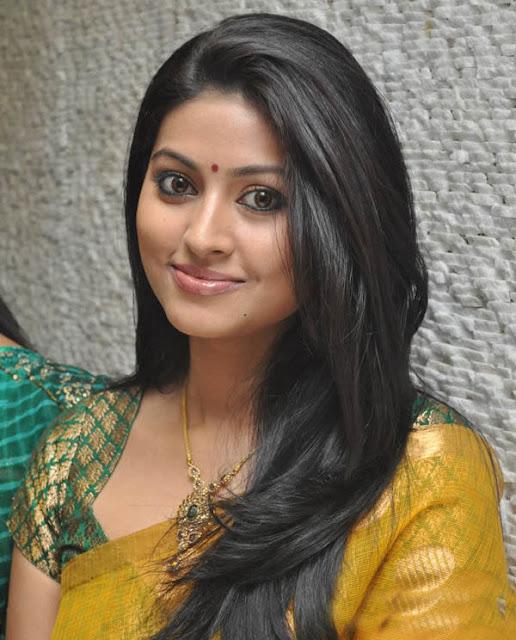 Sneha Stills Murattu Kaalai Sneha Upcoming Tamil Movie: Sneha Nice Looking In Yellow Saree So Cute ....