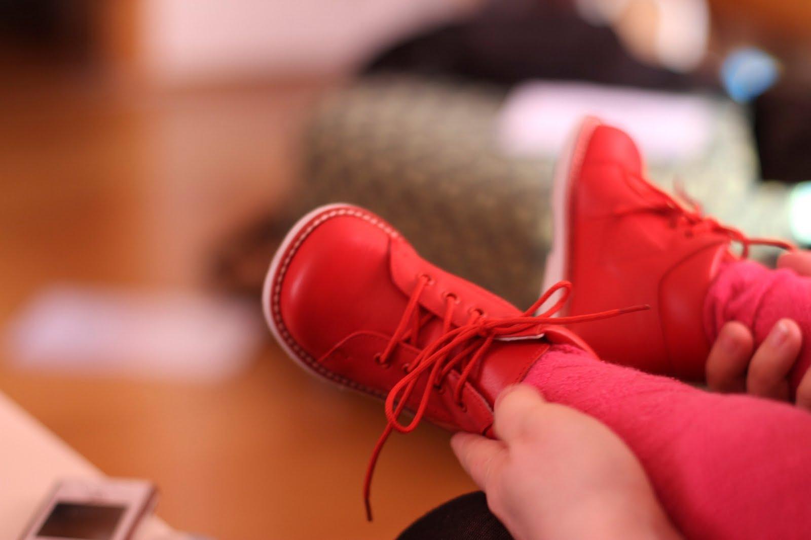 41e48e99f31b jente tuvauniverset Rosa med røde sko Yd4ndHXz