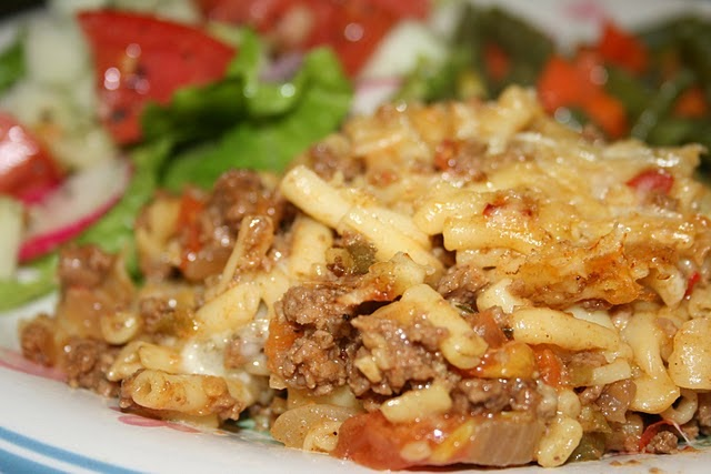 recipe: macaroni and cheese with ground beef casserole [30]
