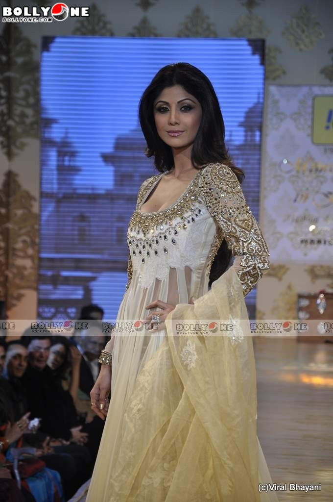 Men Women Photos Shilpa Shetty Hot Ramp Walk Stills At -6559