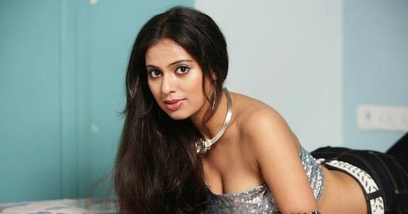 Film Actress Hot Pics Teja Shree Hot Boob Show In