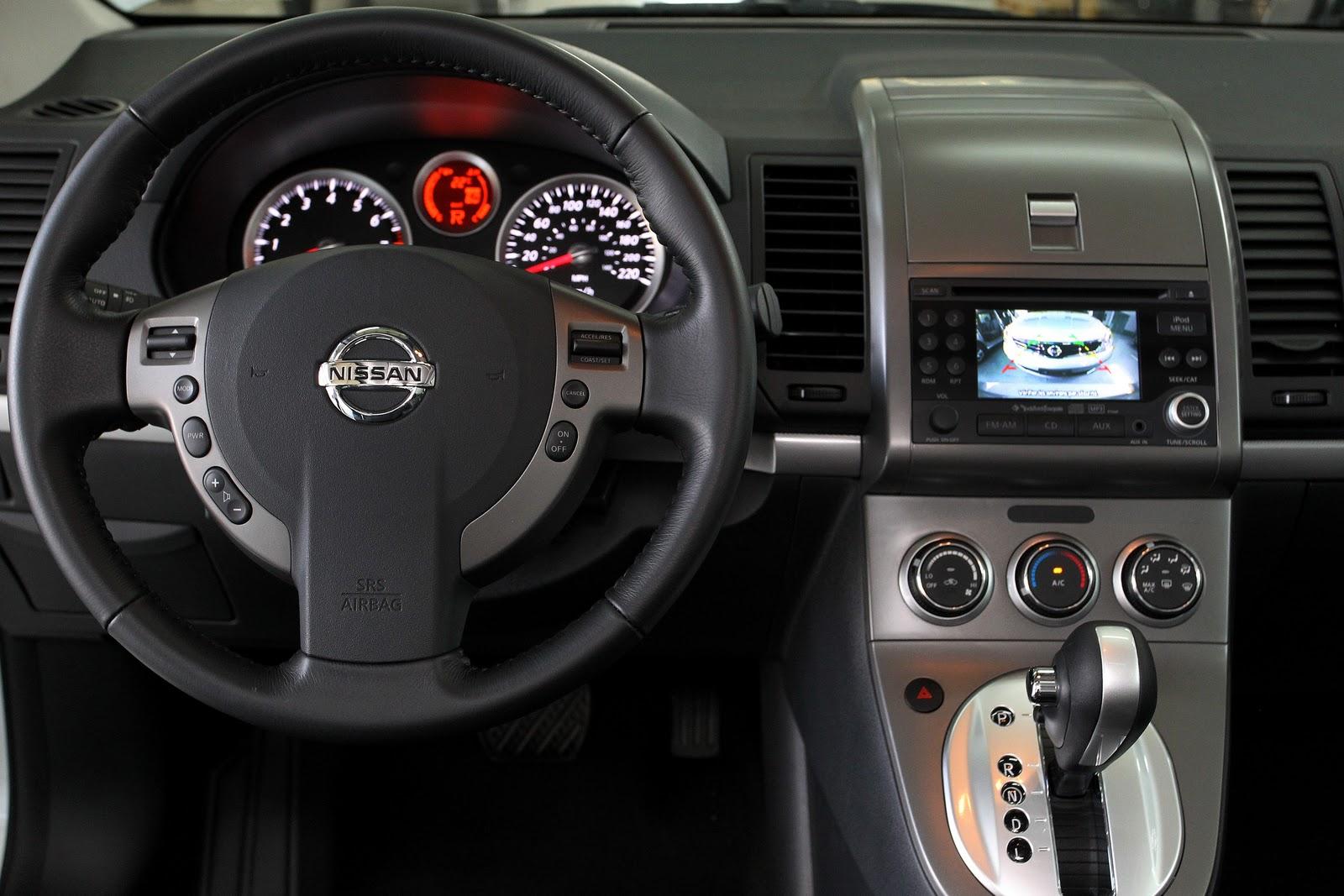 Nissan Sentra tem opção de câmera de ré