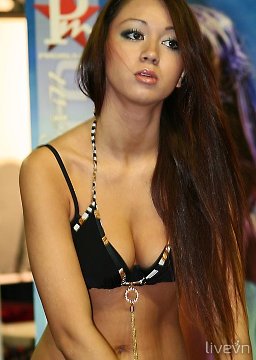 Kim Loan Naked 31