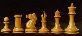 Juego de ajedrez Staunton diseño estilo Morphy en maddera de ebano circa 1850