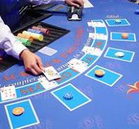 ¿Cómo jugar y ganar al blackjack en línea?