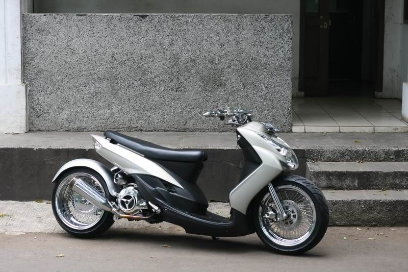 Modifikasi Motor Matic: New Mio SOUL LOW RIDER Minimalist