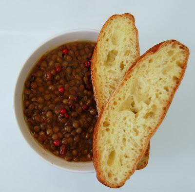 Zuppa di lenticchie al pepe rosa
