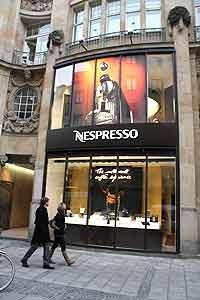 shops blog nespresso flagshipstore muenchen. Black Bedroom Furniture Sets. Home Design Ideas