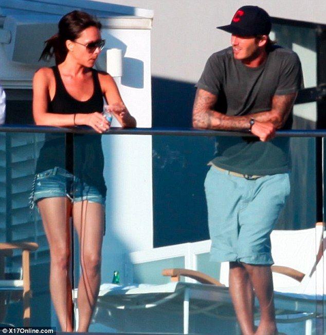 David & Victoria Beckham Hit The Beach » Victoria Beckham