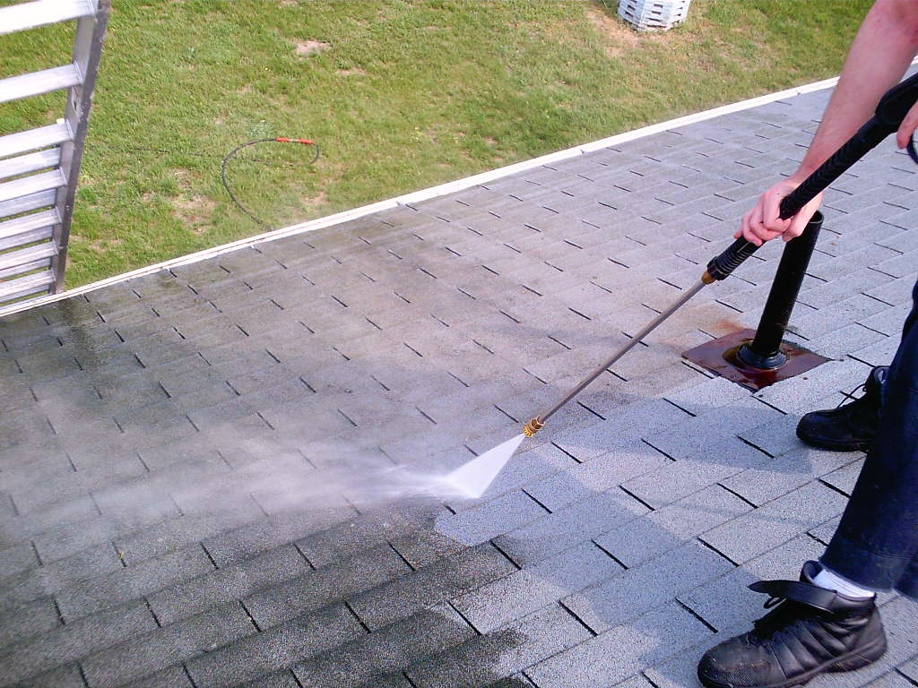 Roof Amp Gutter Cleaning Power Washers Nw