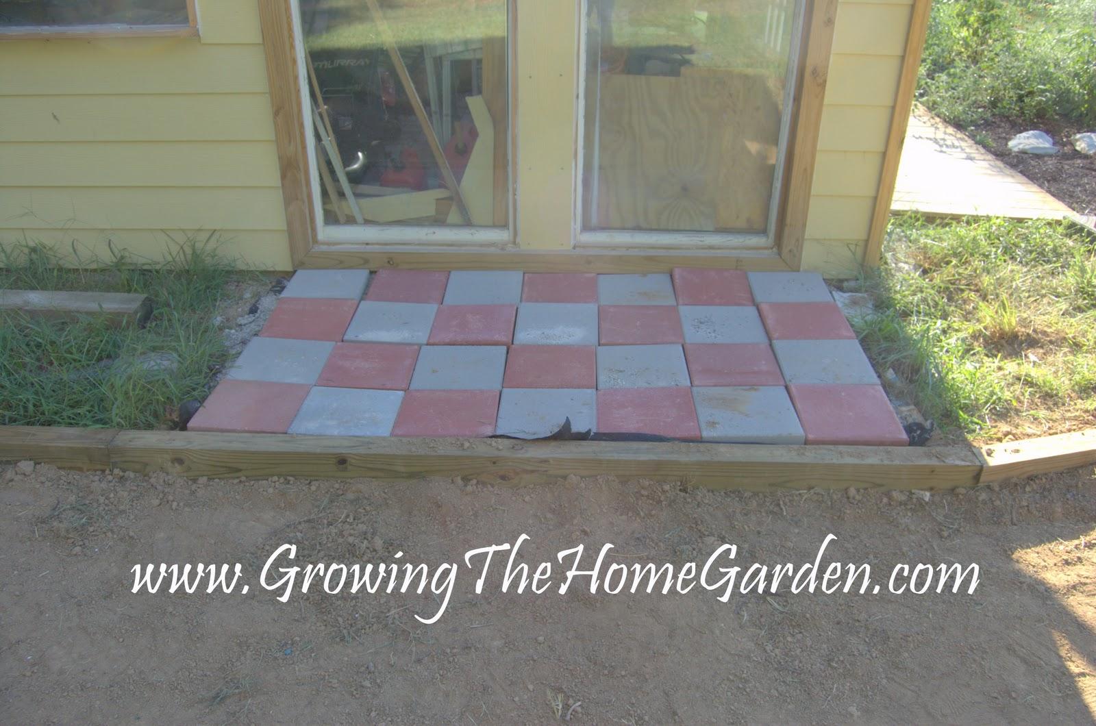 Stepping Stones in the Garden - Growing The Home Garden