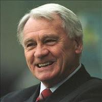 Kun Sir Bobby Robson har fået en værre sæsonstart i Ipswich end Keane.