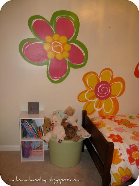 Remodelaholic Little Girl S Pink Bedroom: Hand Painted Flowers For Little Girls Room