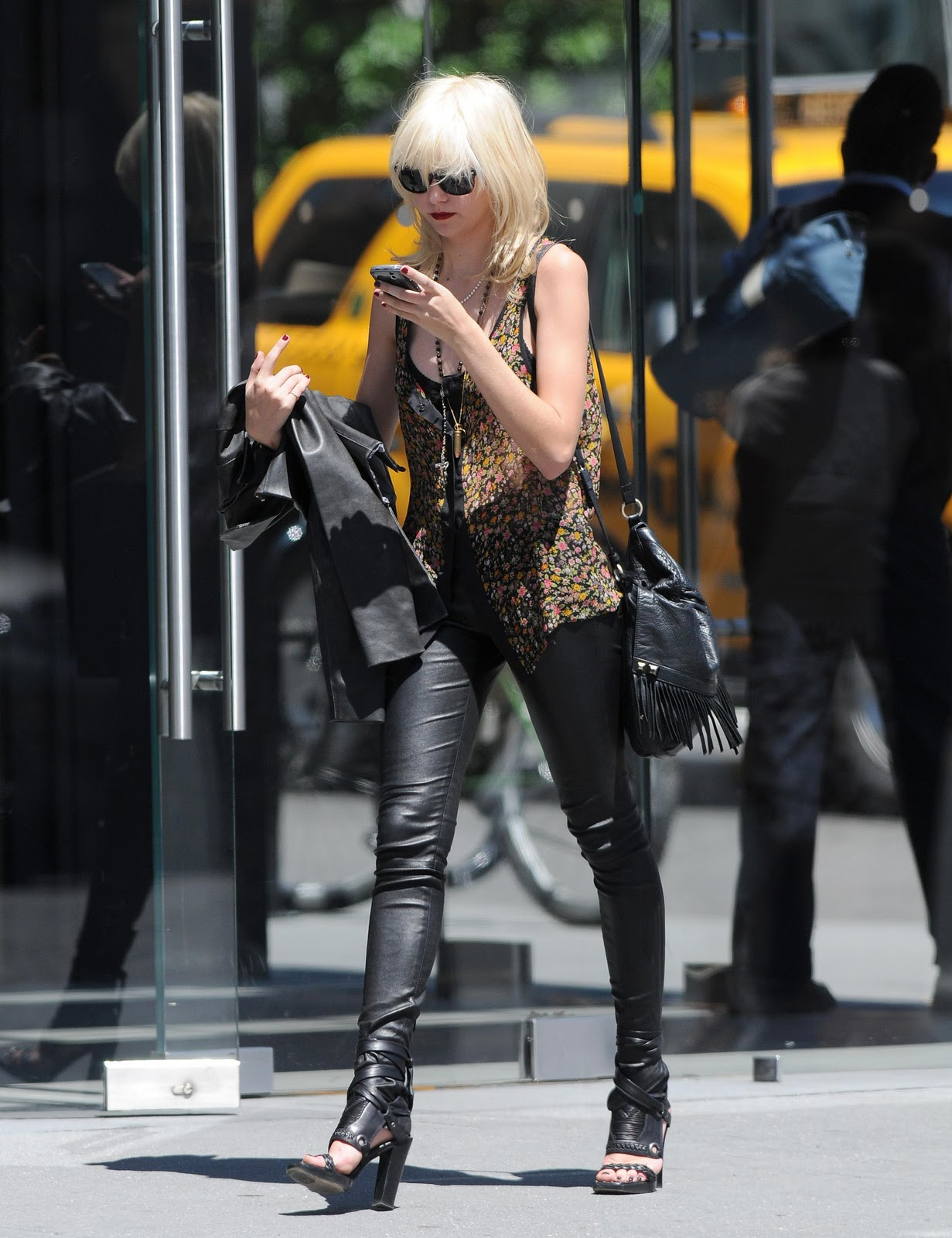 Inspirations Taylor Momsen And Leather Pants