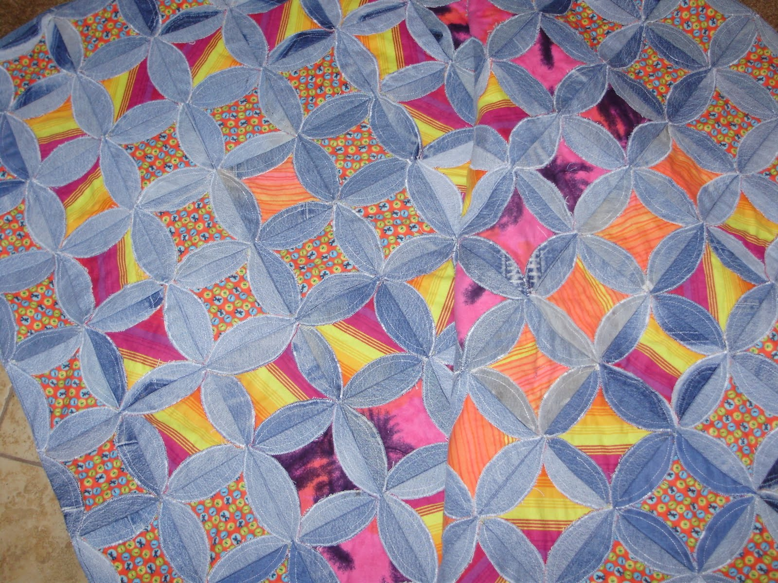 Gazselin Denim Circle Quilt