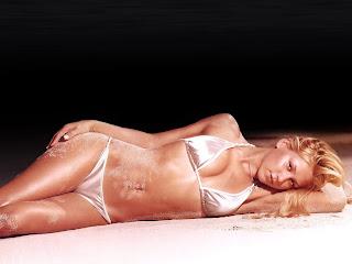 Ashlee Simpson Desnuda
