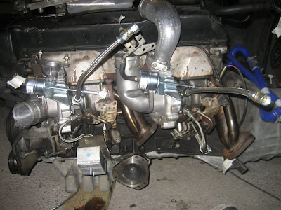 Turbos installed on engine Nissan RB26DETT