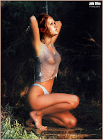 Julia Stiles Nude Pic 17
