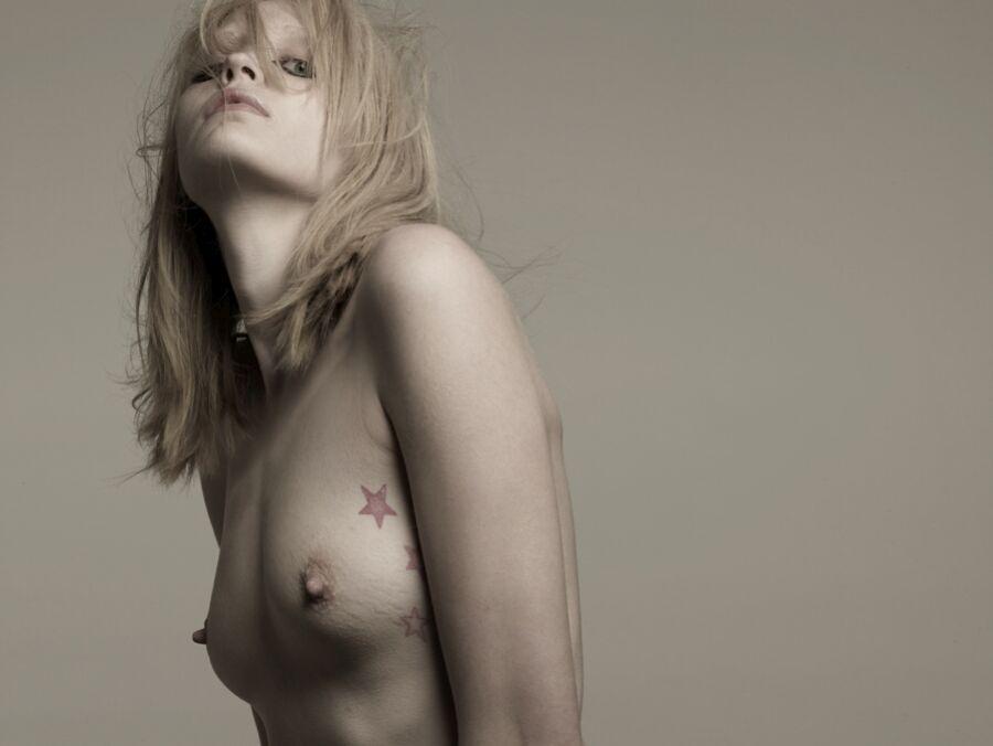 Heidi Mount Nude 23