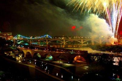 [fireworks-show-03.jpg]