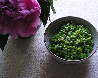 Peas with Garlic Scapes and Cream