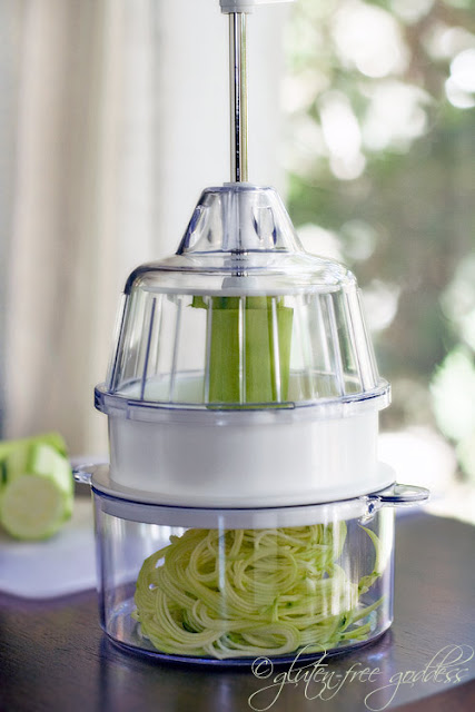 The Joyce Chen spiral slicer makes angel hair pasta with raw zucchini #spiralizer