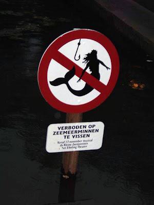 Os sinais de proibição mais bizarros 28