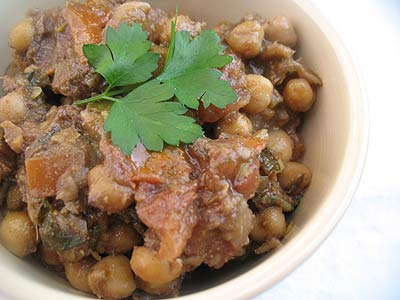 Spicy Chickpeas with Ground Pomegranate Seeds