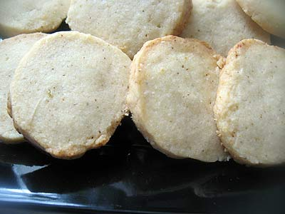 Spicy White Cheddar Shortbread Crackers