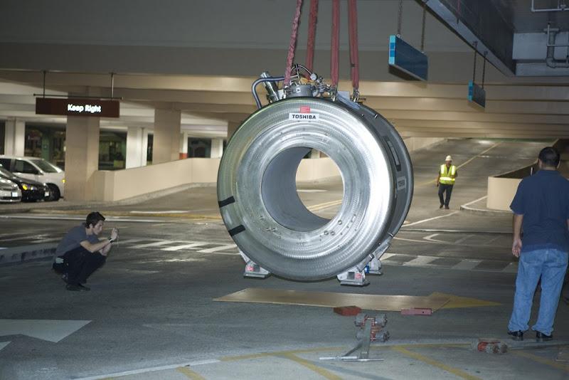 Photos by jalna: Leslie's Pics - MRI Magnet Installation